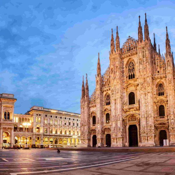 Italian fashion in Milan & the Duomo